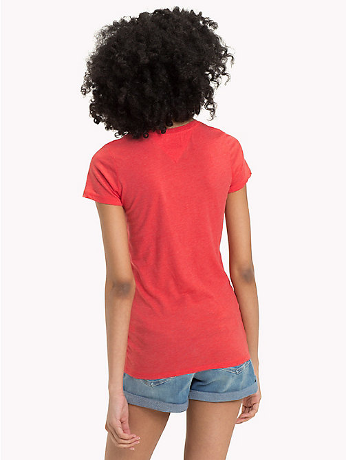 TOMMY JEANS T-Shirt aus Baumwollmix mit Logo - SPICED CORAL - TOMMY JEANS Sustainable Evolution - main image 1