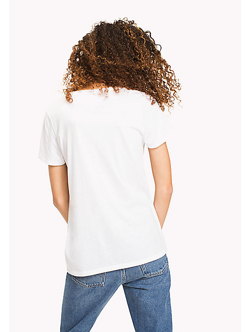 TOMMY JEANS Logo T-Shirt - BRIGHT WHITE - TOMMY JEANS Sustainable Evolution - imagen detallada 1