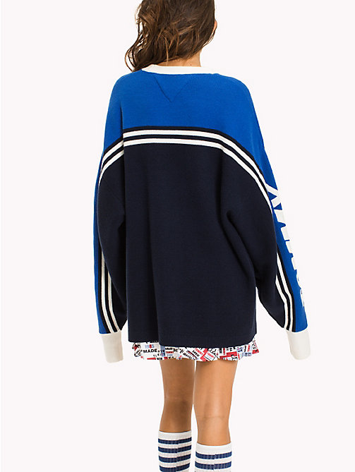 TOMMY JEANS Oversized Baumwoll-Sweatshirt aus Baumwolle - NAUTICAL BLUE / MULTI - TOMMY JEANS Pullover & Strickjacken - main image 1