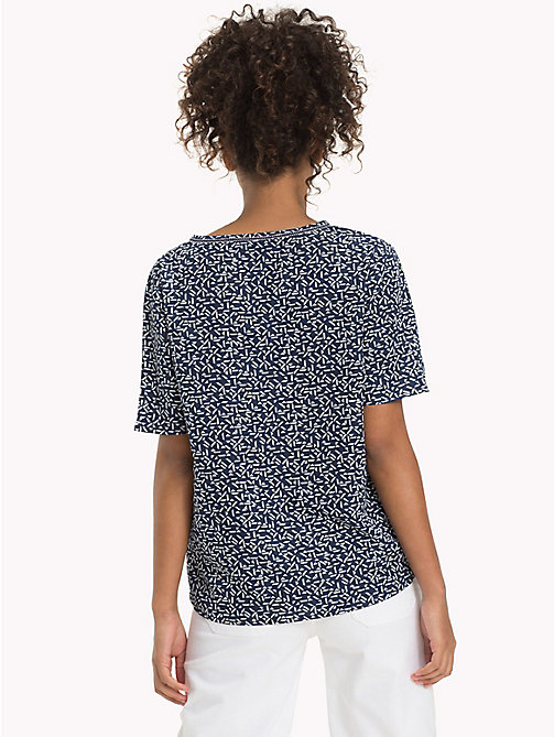 TOMMY JEANS Geometric Print V-Neck Top - SMALL GEO PRINT - TOMMY JEANS DAMEN - main image 1