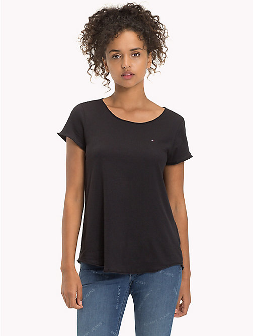 TOMMY JEANS Organic Cotton Jersey T-Shirt - TOMMY BLACK - TOMMY JEANS Sustainable Evolution - imagen principal