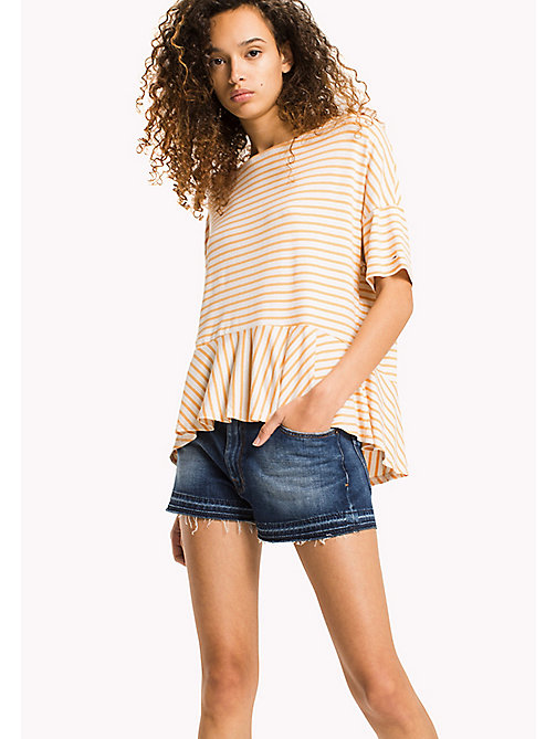 TOMMY JEANS Stretch-T-Shirt mit Schößchen - GOLD EARTH / BRIGHT WHITE - TOMMY JEANS DAMEN - main image