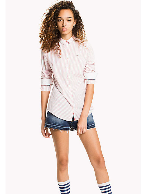 TOMMY JEANS Camicia slim fit a righe - BRIGHT WHITE / SPICED CORAL - TOMMY JEANS TOMMY JEANS DONNE - immagine principale