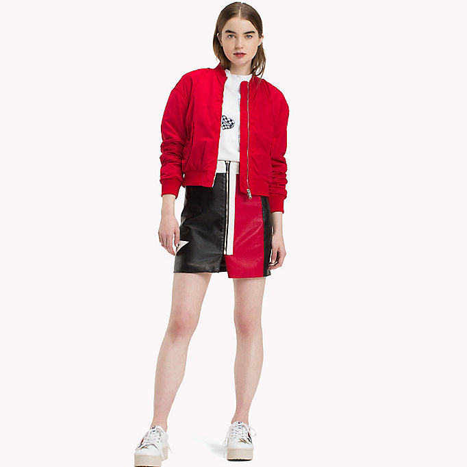 TOMMY JEANS Klassische Bomberjacke aus Polyester - SPICED CORAL - TOMMY JEANS Kleidung - main image 2