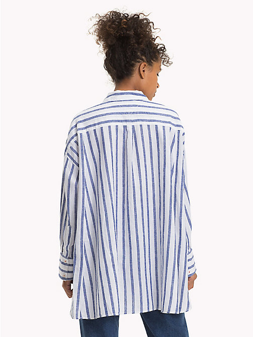 TOMMY JEANS Camisa de rayas y corte oversize - BLUE PRINT / BRIGHT WHITE - TOMMY JEANS Tops - imagen detallada 1