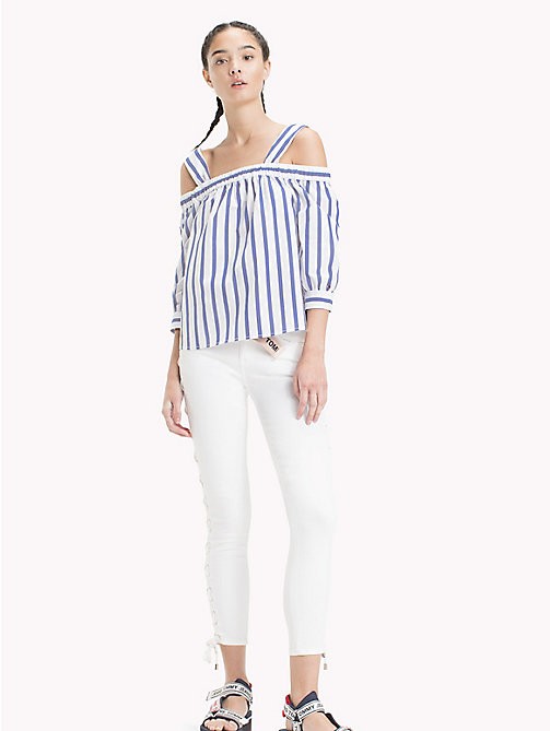 TOMMY JEANS Off-shoulder blouse met strepen - BLUE PRINT / BRIGHT WHITE - TOMMY JEANS Tops - main image