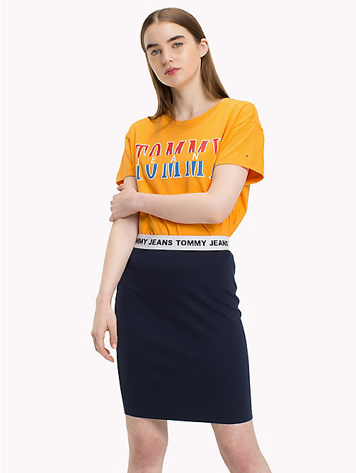 TOMMY JEANS T-shirt z logo w stylu retro - BUTTERSCOTCH -  Festival Season - main image