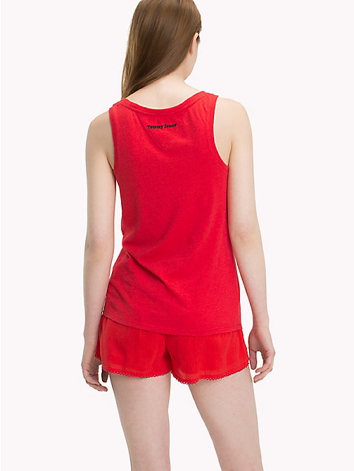 TOMMY JEANS Regular Fit Top mit Papagei - POPPY RED - TOMMY JEANS Festival-Saison - main image 1