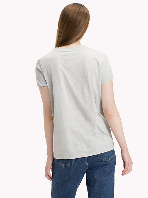 TOMMY JEANS T-shirt z flagą Tommy Jeans - LIGHT GREY HTR BC03 - TOMMY JEANS Topy - detail image 1
