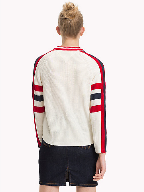 TOMMY JEANS Sweater mit Spirit-of-85-Logo - CLOUD DANCER - TOMMY JEANS Pullover & Strickjacken - main image 1