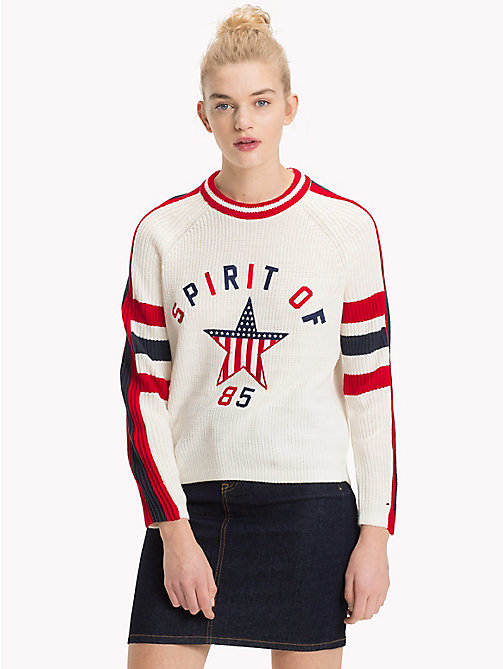 TOMMY JEANS Sweater mit Spirit-of-85-Logo - CLOUD DANCER - TOMMY JEANS Pullover & Strickjacken - main image