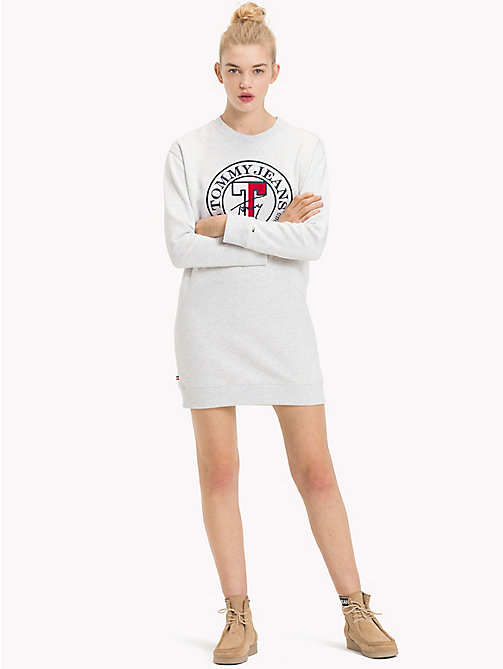 TOMMY JEANS Robe-pull à logo coupe boyfriend - PALE GREY HEATHER - TOMMY JEANS Robes & Jupes - image principale