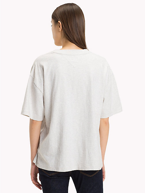 TOMMY JEANS Oversized Fit T-Shirt mit Multi-Logo - PALE GREY HEATHER - TOMMY JEANS Tops - main image 1