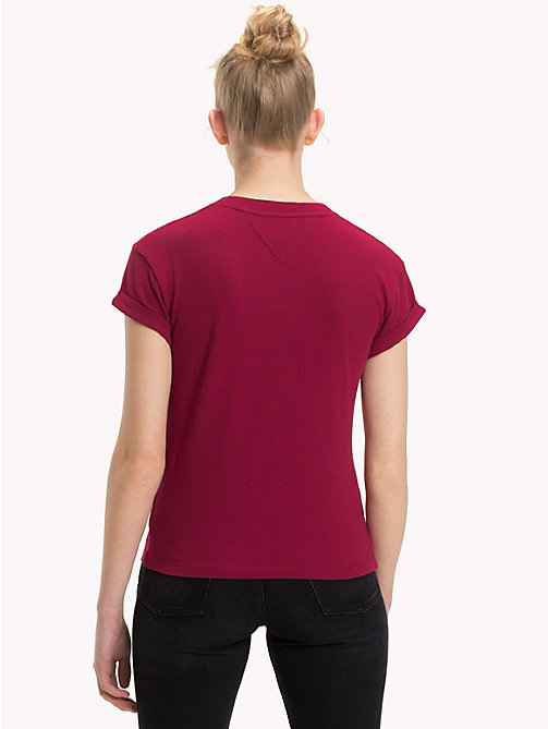 TOMMY JEANS Cropped Fit T-Shirt mit V-Ausschnitt - RUMBA RED - TOMMY JEANS Tops - main image 1