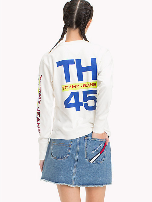 TOMMY JEANS 90s Long-Sleeve Logo T-Shirt - BRIGHT WHITE - TOMMY JEANS Capsule - detail image 1