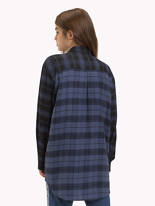 TOMMY JEANS Boyfriend blouse met plaidprint - BLACK IRIS / CHECK - TOMMY JEANS Tops - detail image 1