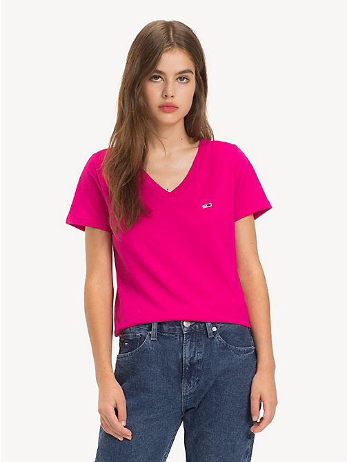 TOMMY JEANS Camiseta Tommy Classics con cuello de pico - FUCHSIA PURPLE - TOMMY JEANS Sustainable Evolution - imagen principal