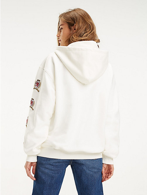 TOMMY JEANS Repeat Crest Sleeve Hoody - CLOUD DANCER - TOMMY JEANS TOMMY JEANS Capsule - detail image 1