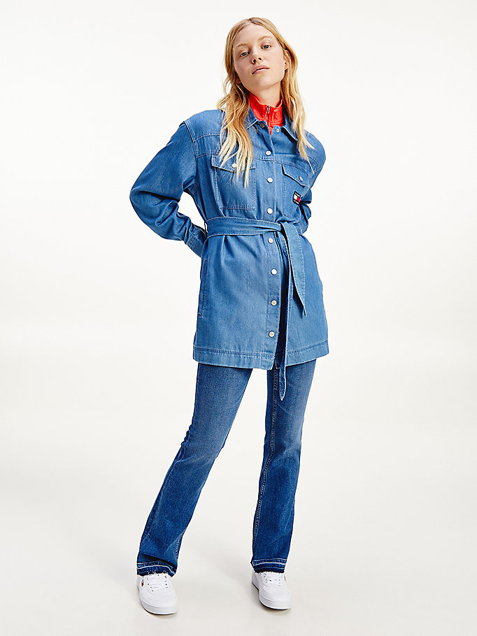 denim boyfriend fit overshirt mit tommy-badge für damen - tommy jeans