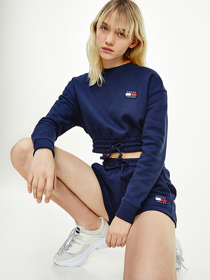 blue tommy badge cropped organic cotton sweatshirt for women tommy jeans