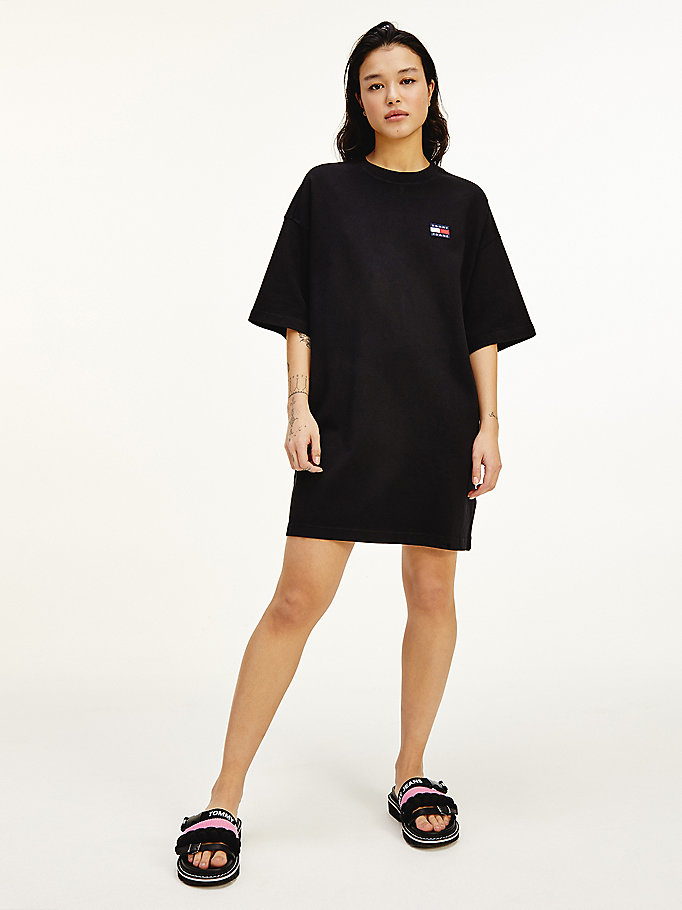 black tommy badge oversized t-shirt dress for women tommy jeans