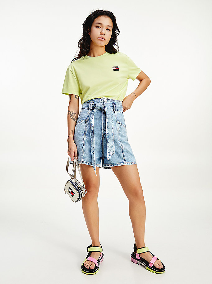 denim mom short van denim met strikceintuur voor dames - tommy jeans