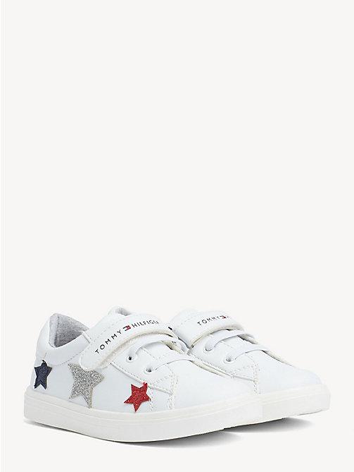 d9198cc58 TOMMY HILFIGERZapatillas deportivas de niña con estrellas