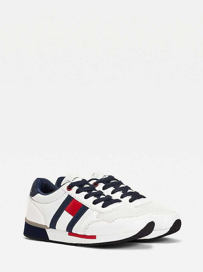 white contrast detail low-top trainers for boys tommy hilfiger