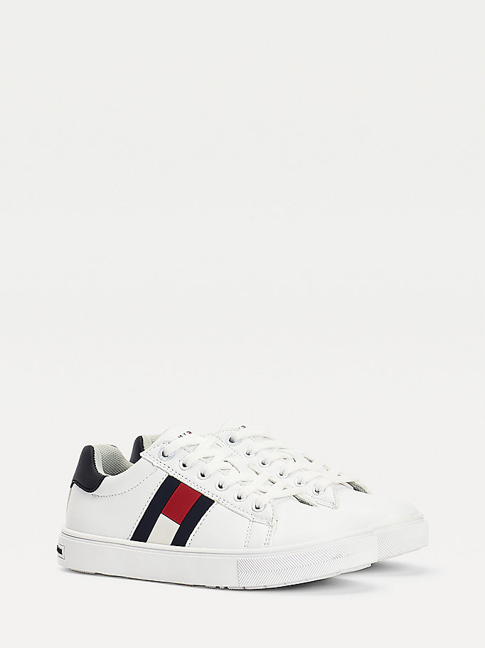 white low-top flag trainers for boys tommy hilfiger