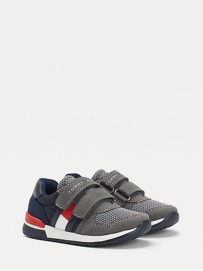 grey signature low cut trainers for boys tommy hilfiger