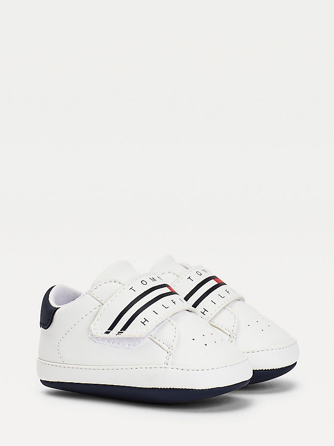 white logo trainers for boys tommy hilfiger