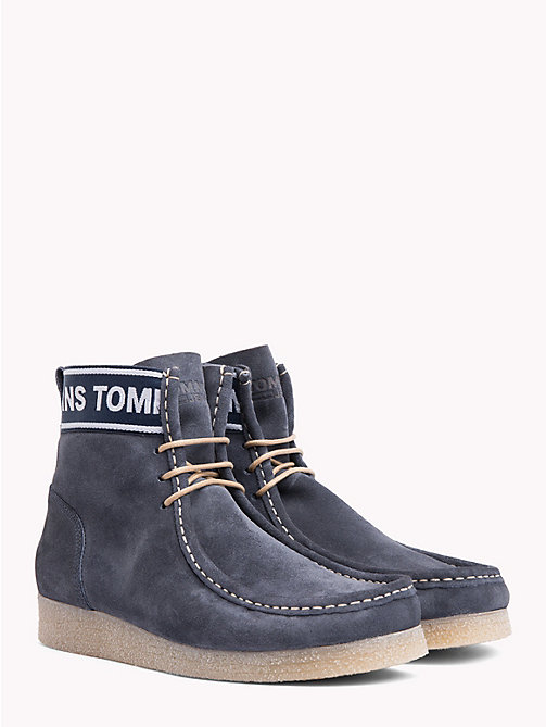 TOMMY JEANS Stivaletti wallaby in suede - INK - TOMMY JEANS Scarpe & Accessori - immagine principale