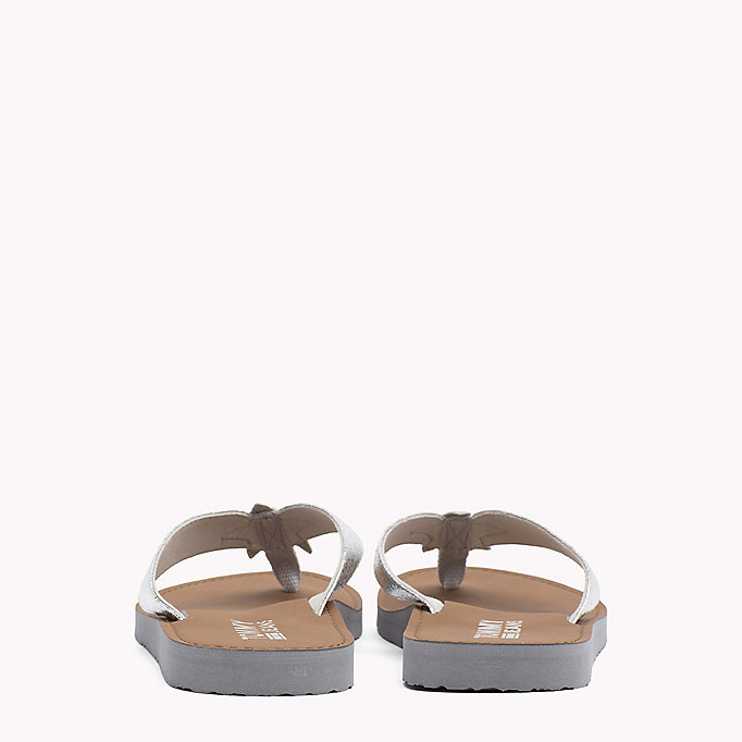 TOMMY JEANS Chanclas de playa metalizadas - LIGHT GOLD - TOMMY JEANS Zapatos - imagen detallada 2