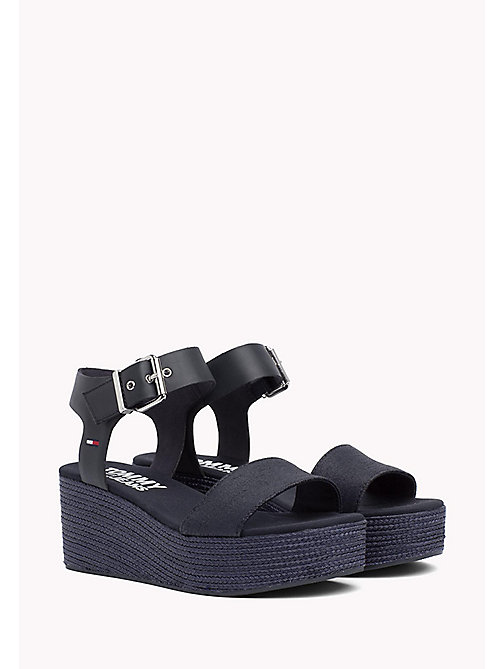 TOMMY JEANS Flatform-Sandale in Denim - MIDNIGHT - TOMMY JEANS DAMEN - main image