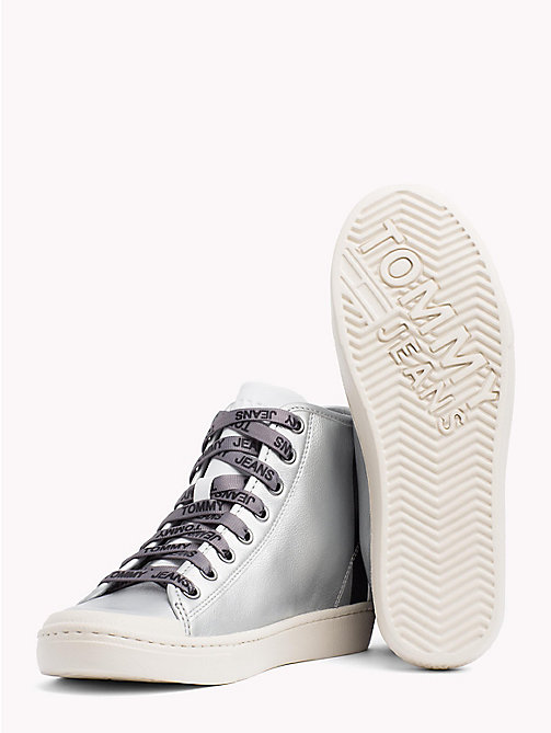 TOMMY JEANS Lightweight Metallic Leather Logo Lace Trainers - SILVER - TOMMY JEANS NEW IN - detail image 1