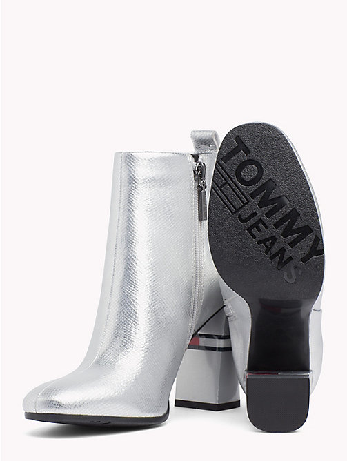 TOMMY JEANS Metallic Colour-Blocked Heel Boots - SILVER - TOMMY JEANS VACATION - detail image 1