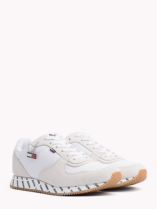 TOMMY JEANS Sneaker aus Wildleder-Mix mit Kontrastbahnen - WHITE - TOMMY JEANS NEW IN - main image