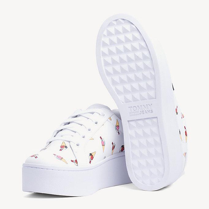 Sneakers in pelle con stampa di gelati. TOMMY JEANS 3f3ed0b5d37