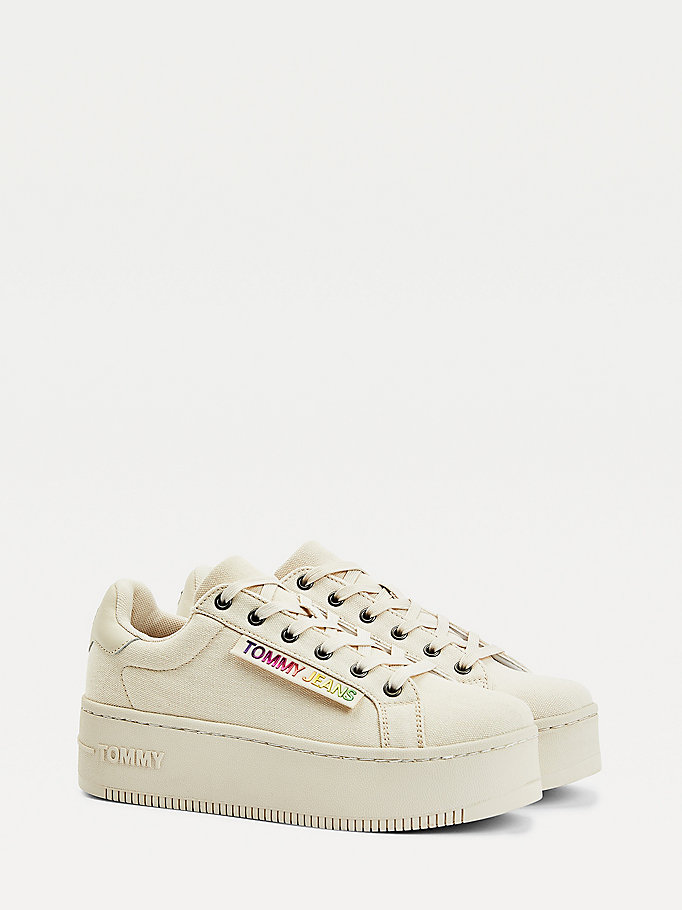 beige iconic metallic logo flatform trainers for women tommy jeans