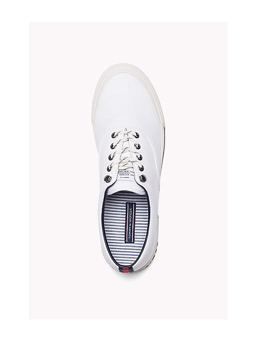 TOMMY HILFIGER Heritage Suede Trainers - WHITE - TOMMY HILFIGER Sustainable Evolution - imagen detallada 1