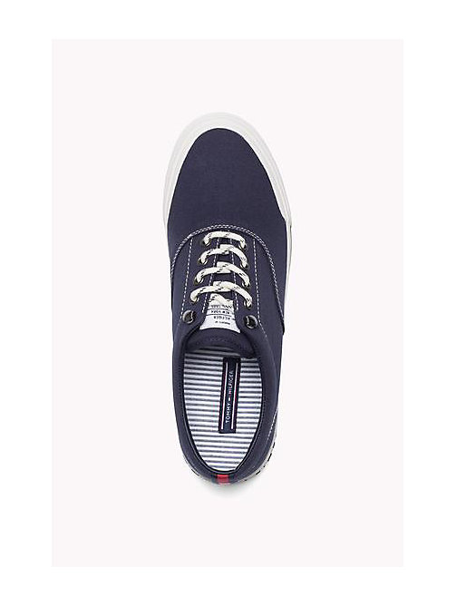 TOMMY HILFIGER Heritage Suede Trainers - TOMMY NAVY - TOMMY HILFIGER Sustainable Evolution - imagen detallada 1