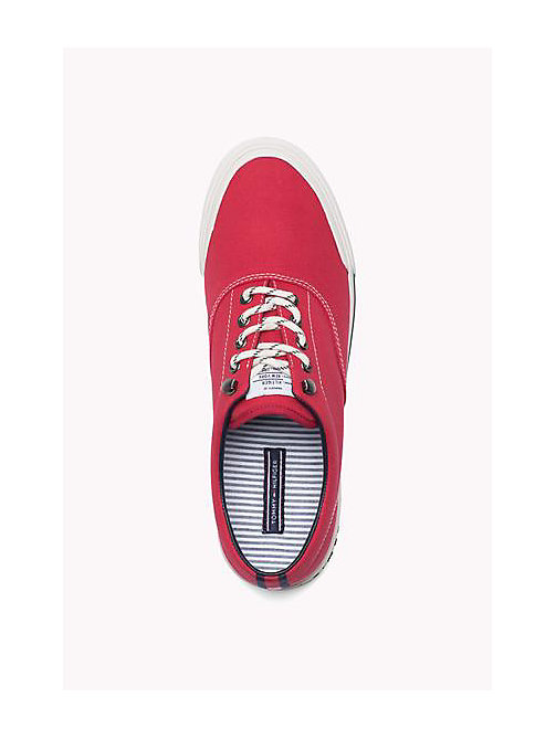 TOMMY HILFIGER Heritage Suede Trainers - TANGO RED - TOMMY HILFIGER Sustainable Evolution - imagen detallada 1