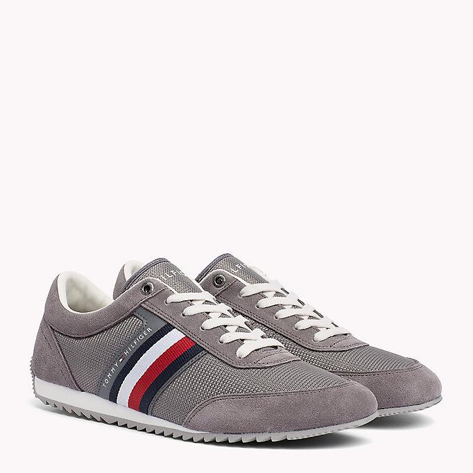 new styles bdbe3 34e4a Moderne sneaker met streeplogo | STEEL GREY | Tommy Hilfiger