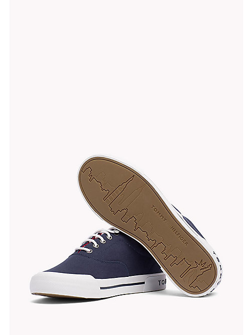 TOMMY HILFIGER Klassischer Sneaker aus Textil - TOMMY NAVY - TOMMY HILFIGER Sustainable Evolution - main image 1