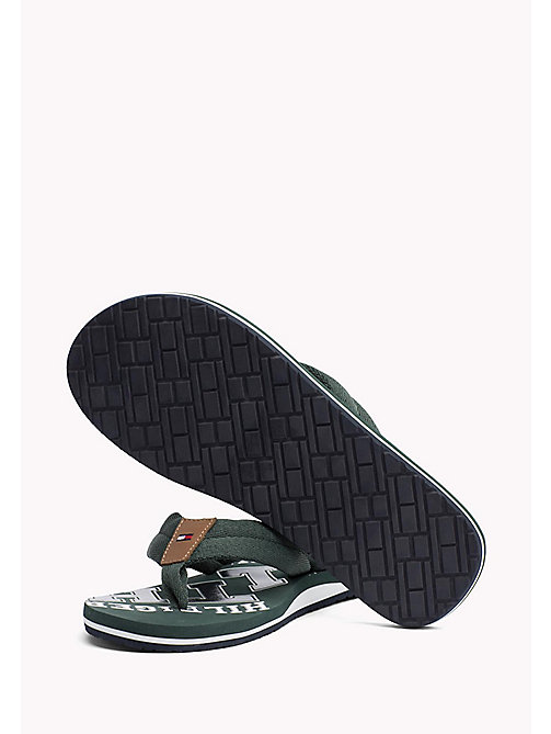 TOMMY HILFIGER Plażowe klapki Tommy - JUNGLE GREEN - TOMMY HILFIGER Sandals & Flip Flops - detail image 1