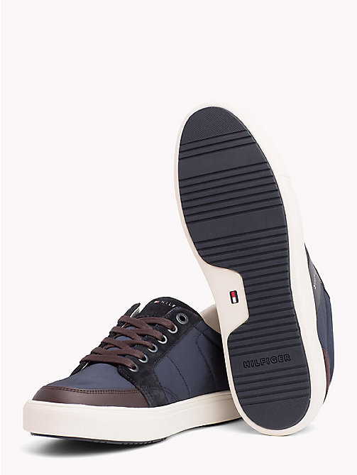TOMMY HILFIGER Baskets basses colour-block - MIDNIGHT-COFFEEBEAN - TOMMY HILFIGER NOUVEAUTÉS - image détaillée 1