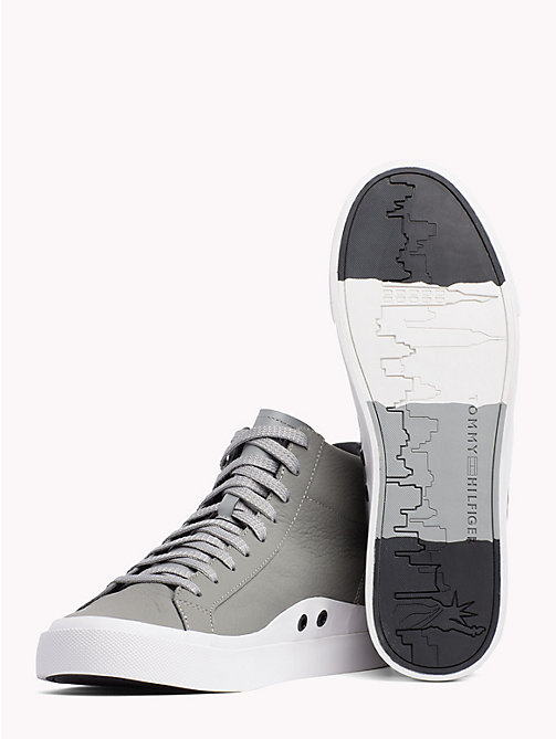 TOMMY HILFIGER Hoge leren sneaker met skyline - LIGHT GREY - TOMMY HILFIGER Sneakers - detail image 1