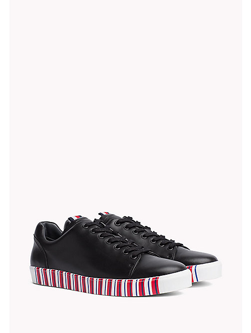 TOMMY HILFIGER Trainers in pelle con suola a righe - BLACK - TOMMY HILFIGER Hilfiger Collection - immagine principale