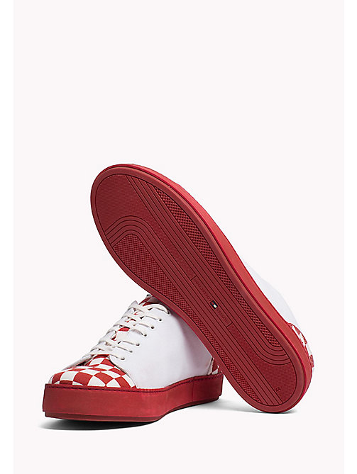 TOMMY HILFIGER Cupsole Sneaker aus Canvas mit Karomuster - RED CHECK - TOMMY HILFIGER Shoes - main image 1