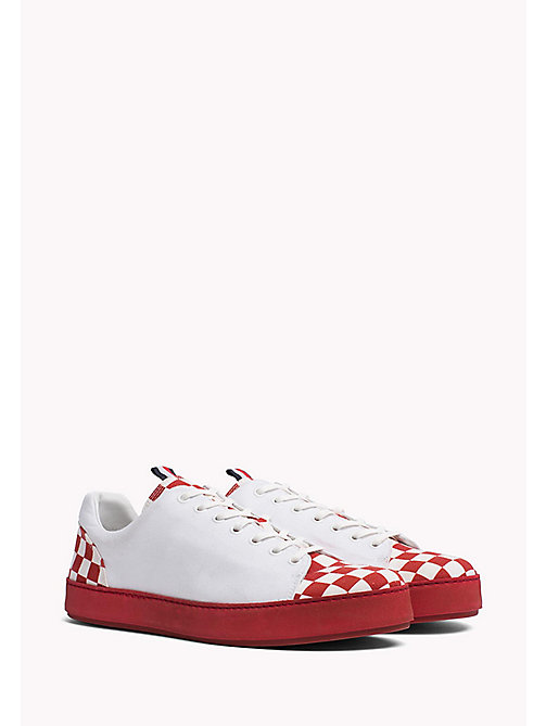 TOMMY HILFIGER Cupsole Sneaker aus Canvas mit Karomuster - RED CHECK - TOMMY HILFIGER Shoes - main image